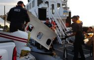 Buscan a niño y adulto de embarcación con inmigrantes que naufragó en Florida