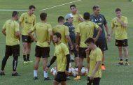 Los Dorados preparan su debut en el Ascenso mexicano sin noticias de Maradona