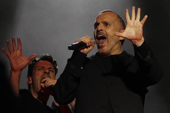 Representante de Miguel Bosé niega problemas de salud del cantante