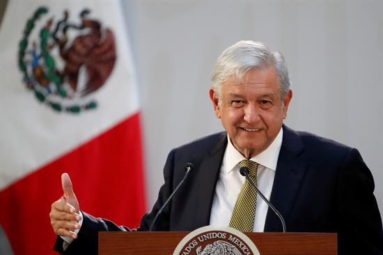 López Obrador dice que disputa por el muro en EE.UU. es un