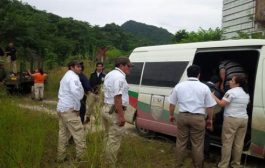 Interceptan a 28 migrantes hacinados dentro de un vehículo en México